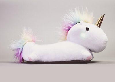 enchanted-light-up-unicorn-slippers-unicornsaker.se-1