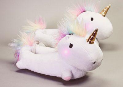 enchanted-light-up-unicorn-slippers-unicornsaker.se